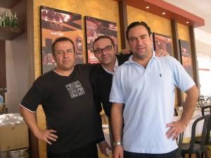 Moises Alcobendas, cortador de jamón y mi amigo Pepe, venenciador